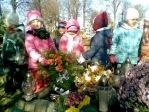Pamiętamy o zmarłych - 5 - latki na cmentarzu w Rymanowie - fot. A. Szul ::  10