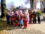 Pamiętamy o zmarłych - 5 - latki na cmentarzu w Rymanowie - fot. A. Szul ::  1