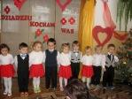 Święto Babci i Dziadka - występ dzieci 3-letnich - fot. M. Kasperkowicz ::  2