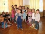 Zabawa andrzejkowa dzieci z oddzialałów przedszkolnych i uczniów z klasy 3b - fot. T. Ziemba ::  63