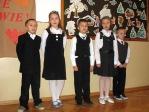 Święto Babci i Dziadka - program artystyczny uczniów z klasy IIb - fot. A. Szul ::  8