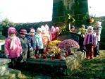 Pamiętamy o zmarłych - 5 - latki na cmentarzu w Rymanowie - fot. A. Szul ::  9